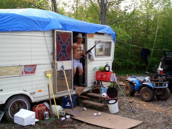 redneck-trailer-park-01.jpg