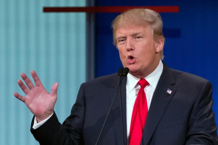 Trump talking w-little hand