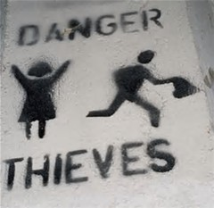 danger-thieves